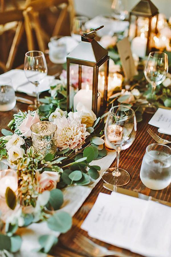 romantic wedding centerpiece ideas with lantern