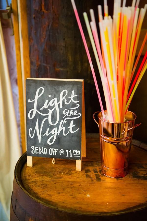 wedding night send off ideas with glow sticks