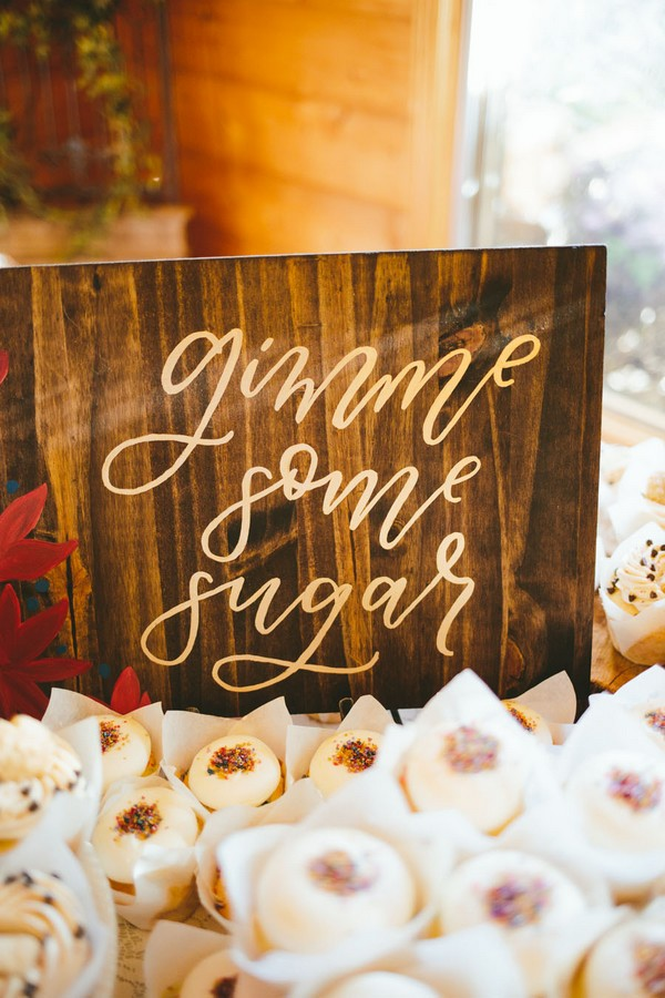 sweet wedding sign ideas for reception