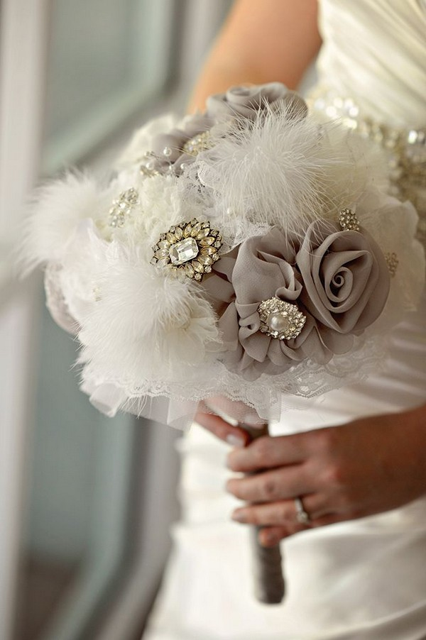 Vintage Brooch Wedding Bouquet Ideas With Feathers