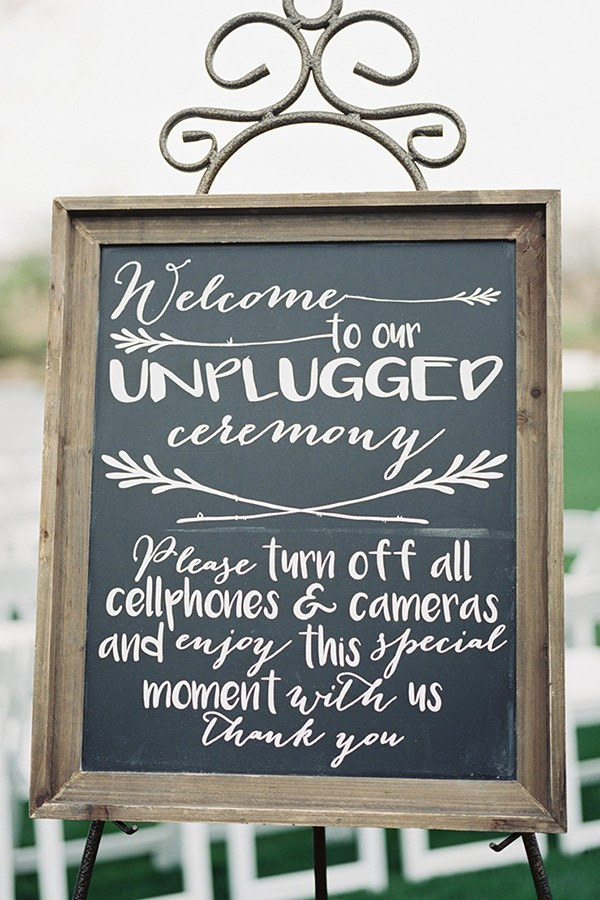 outdoor wedding chalkboard sign ideas