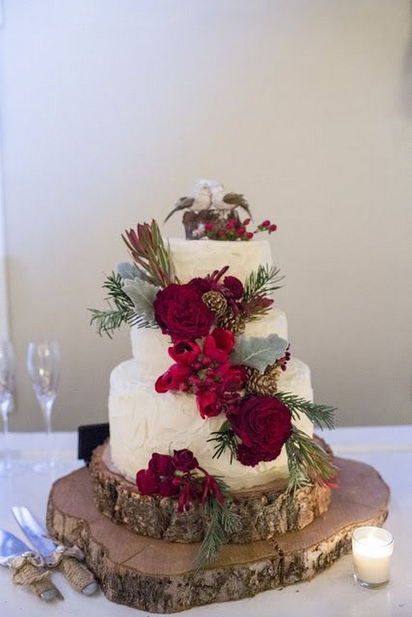 red and green wedding cakes 18 stunning themed winter wedding ideas 19081