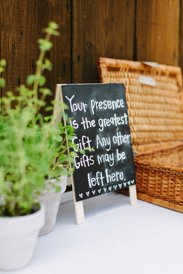 simple diy chalkboard wedding sign ideas