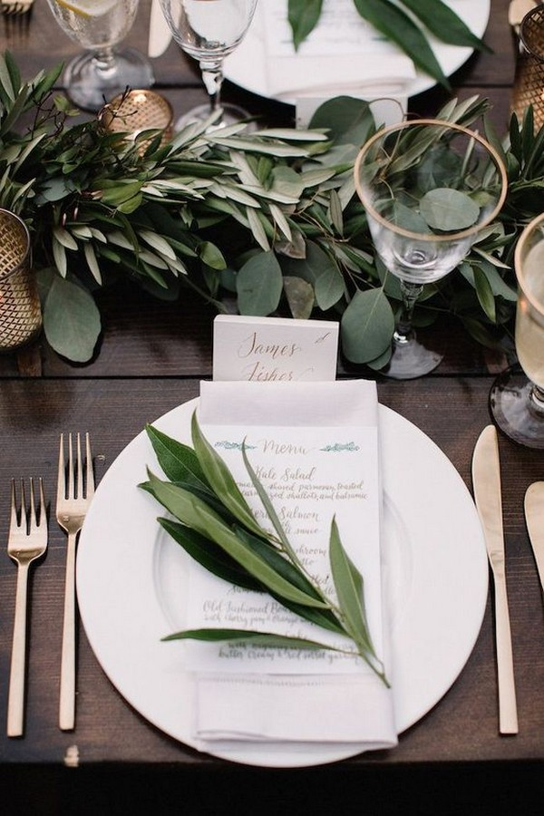 chic elegant greenery and gold wedding table setting ideas