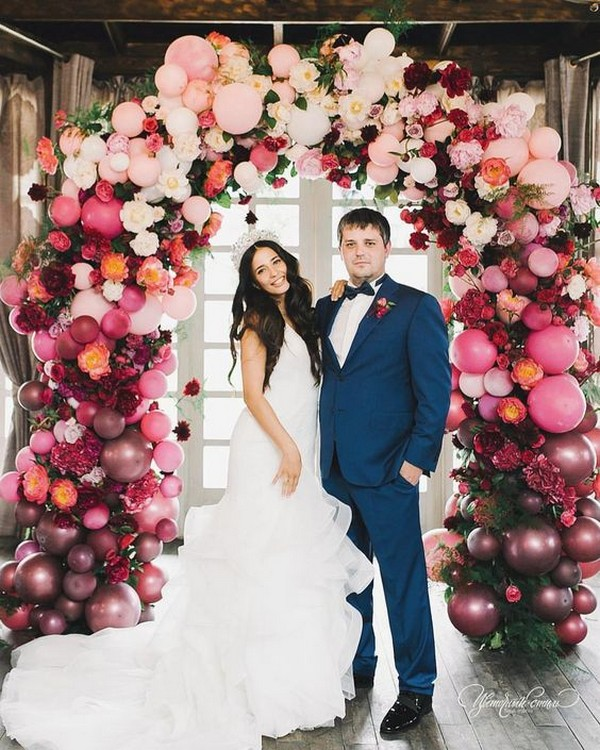 colorful balloon decorated wedding arch ideas