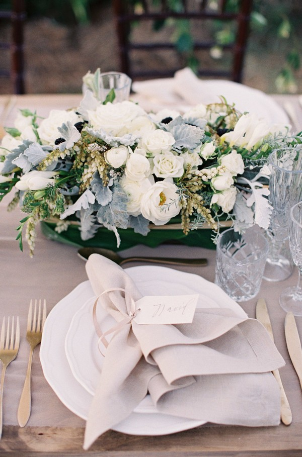 neutral colors elegant wedding table settings