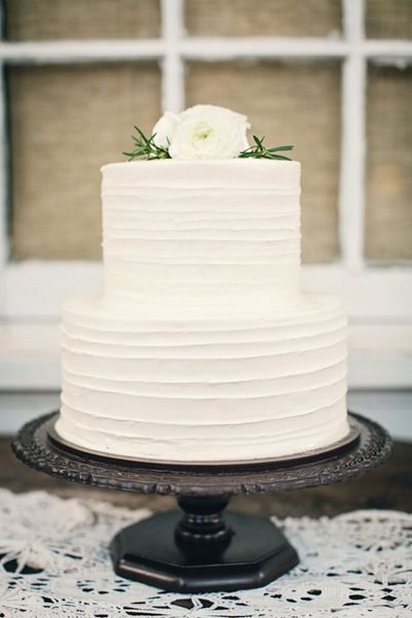 Attractive Simple White Wedding Cake