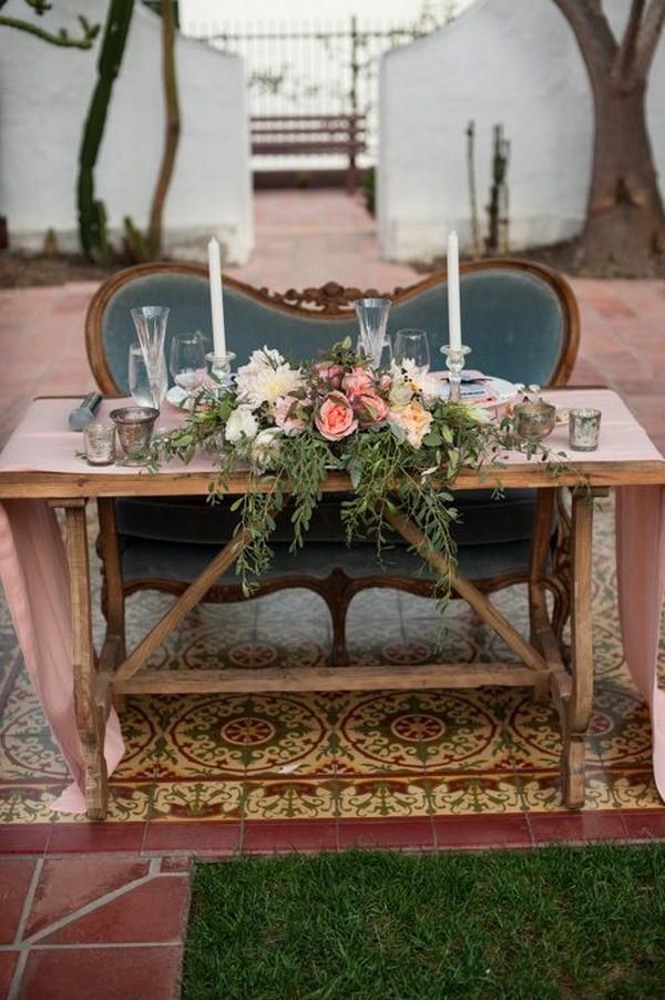 Vintage Garden Sweetheart Table Ideas