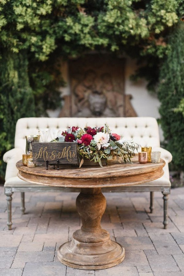 chic vintage sweetheart table wedding decorations