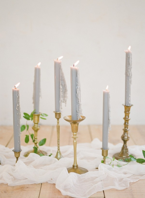 gold and grey wedding decoration ideas with candles