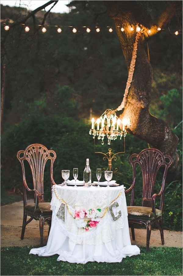 vintage sweetheart table with chandelier