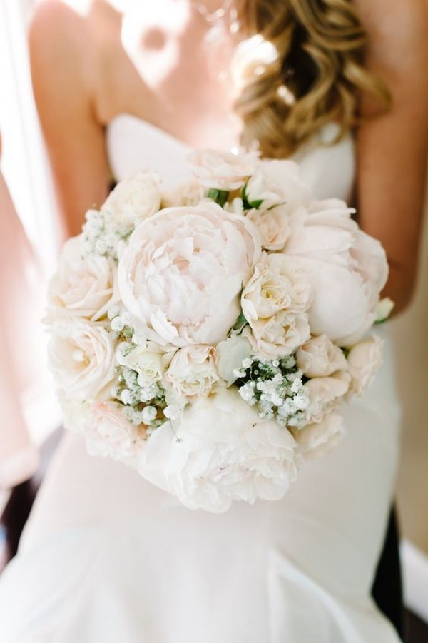 blush pink and white wedding bouquet ideas for 2018