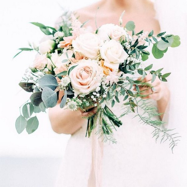 garden themed blush pink wedding bouquet ideas