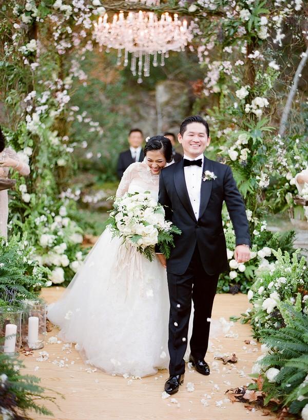 greenery wedding arch decoration ideas