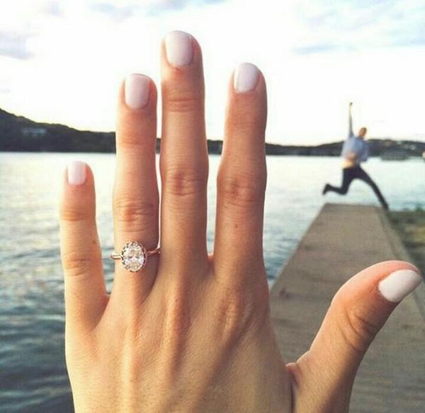 ring shot engagement photo ideas