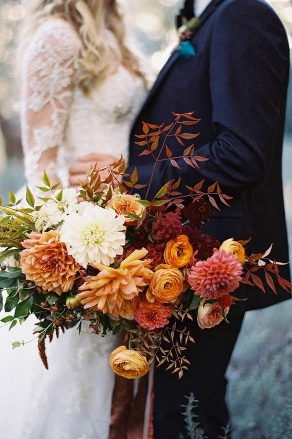 shades of orange fall wedding bouquet ideas