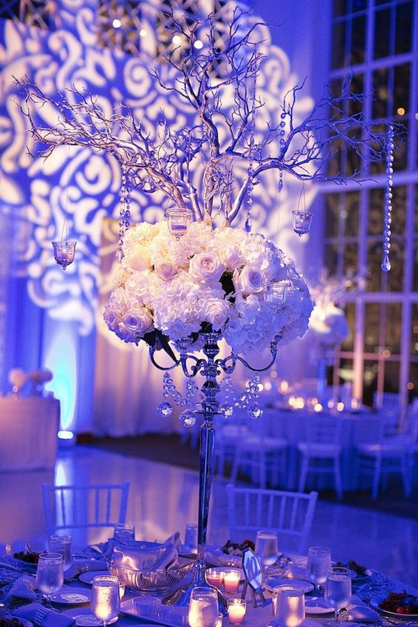 modern winter themed wedding centerpiece ideas