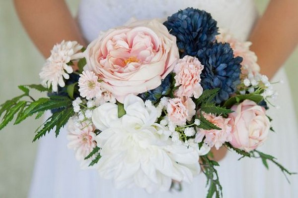 navy blue and blush wedding bouquet   EmmaLovesWeddings