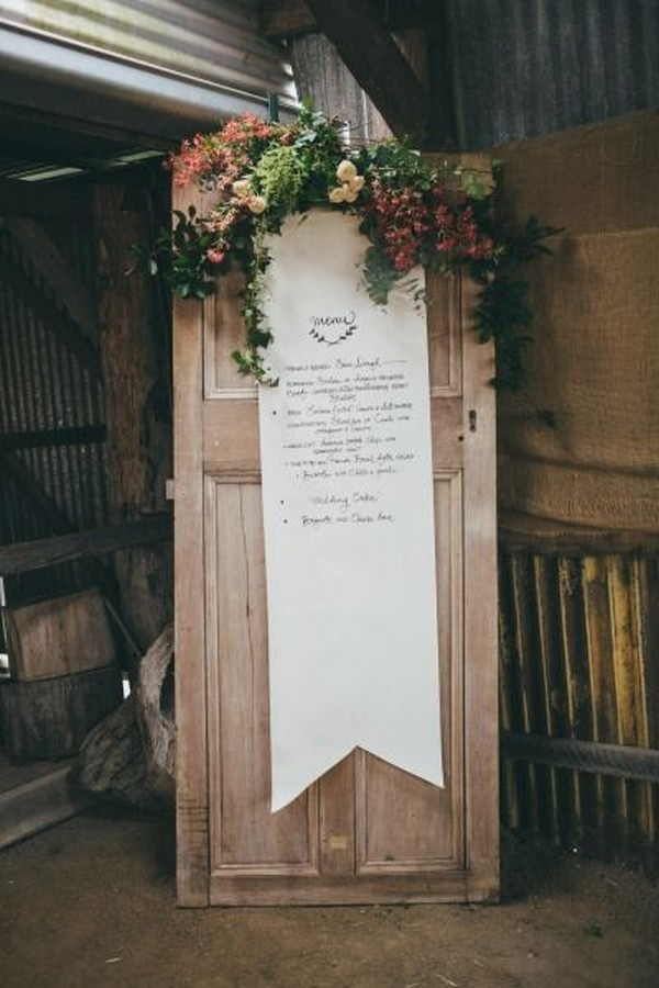 rustic wedding decoration ideas with vintage door
