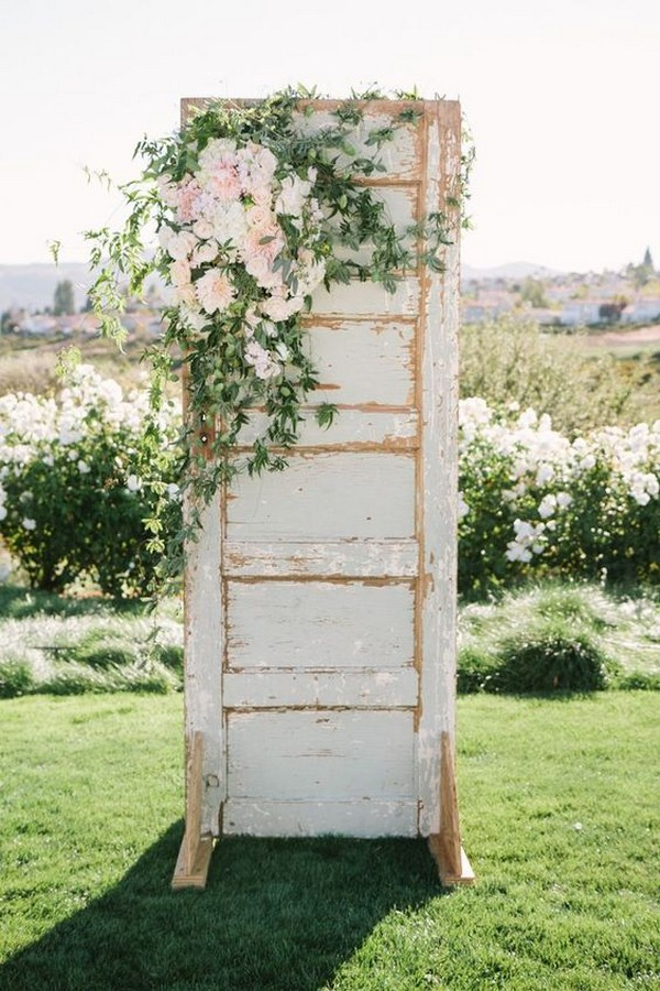 shabby chic vintage old door wedding decoration ideas