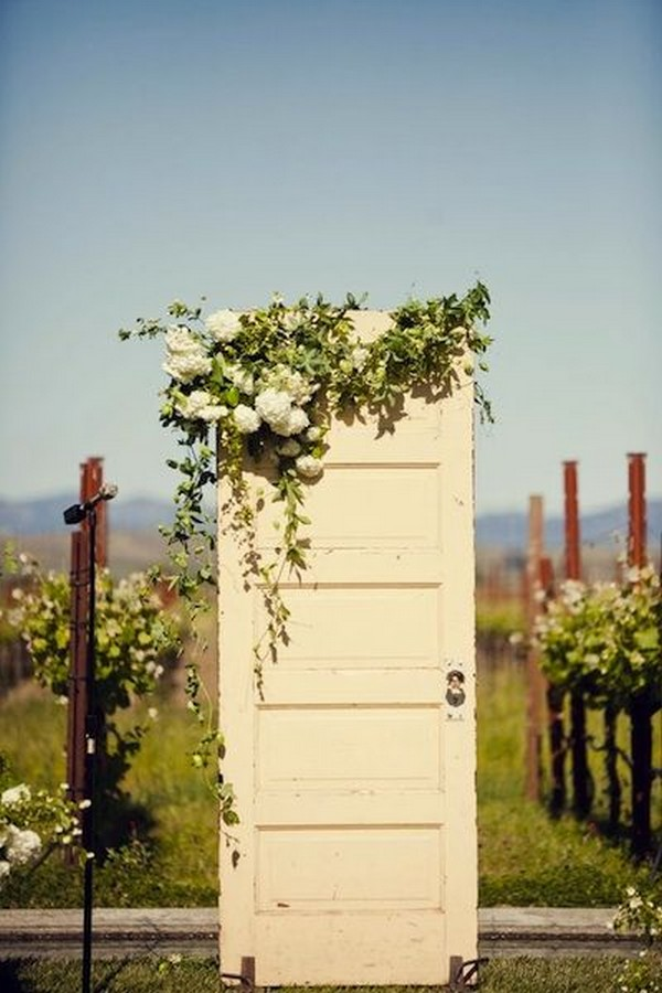 vintage door wedding decoration ideas