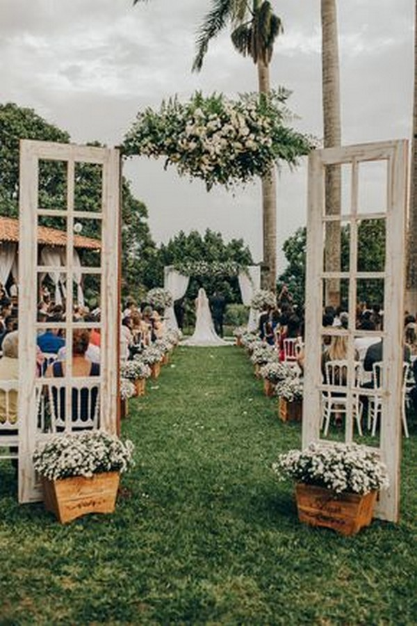 vintage outdoor wedding entrance decoration ideas with old door