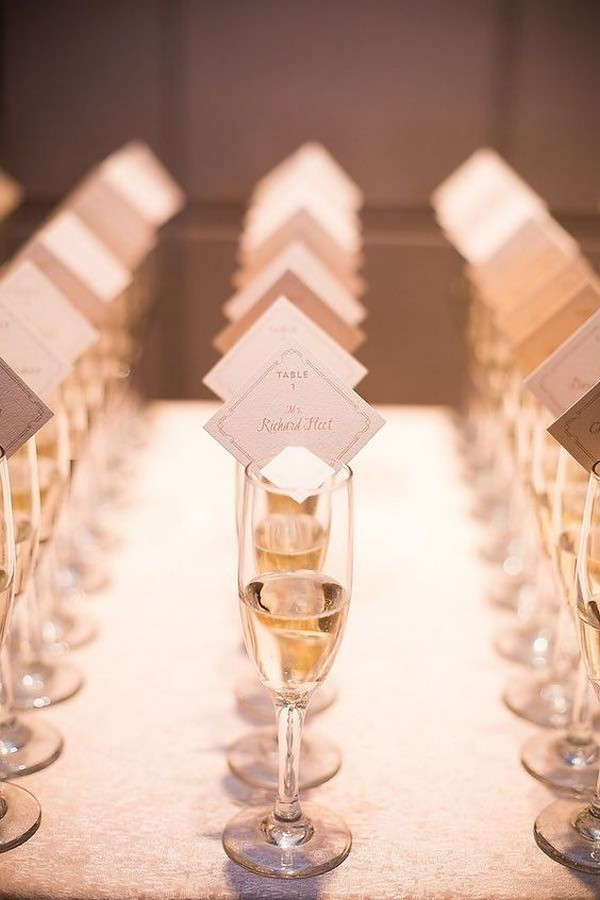 wedding place card with champagne ideas
