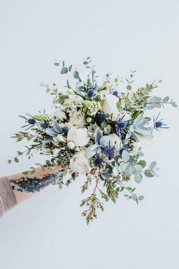 blue winter wedding bouquet ideas