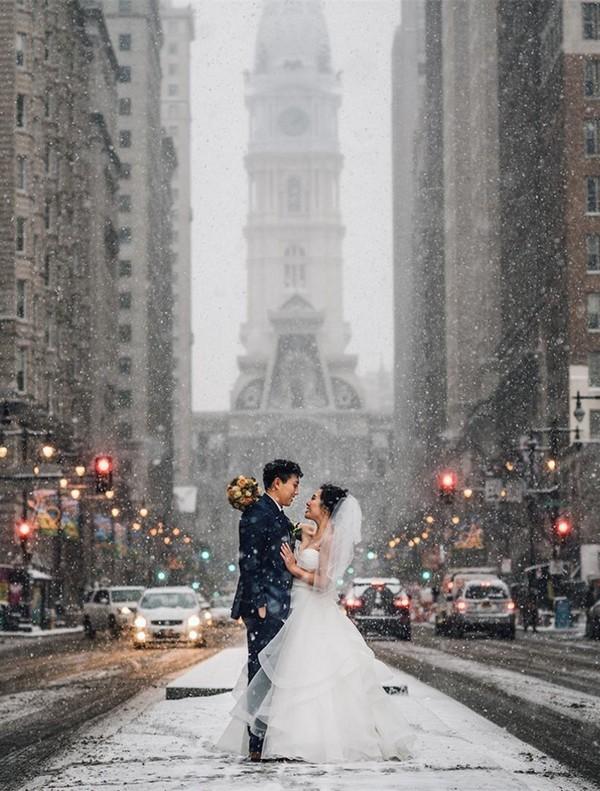 romantic wedding moment photo ideas