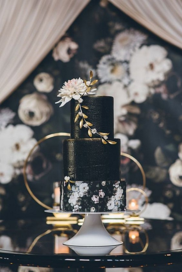 gold and black wedding cake ideas
