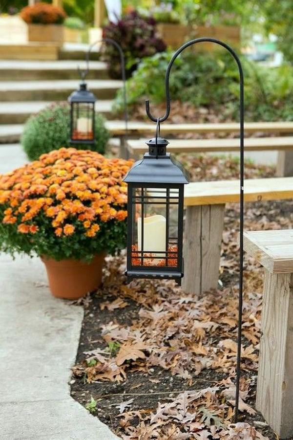 outdoor wedding aisle ideas with lanterns
