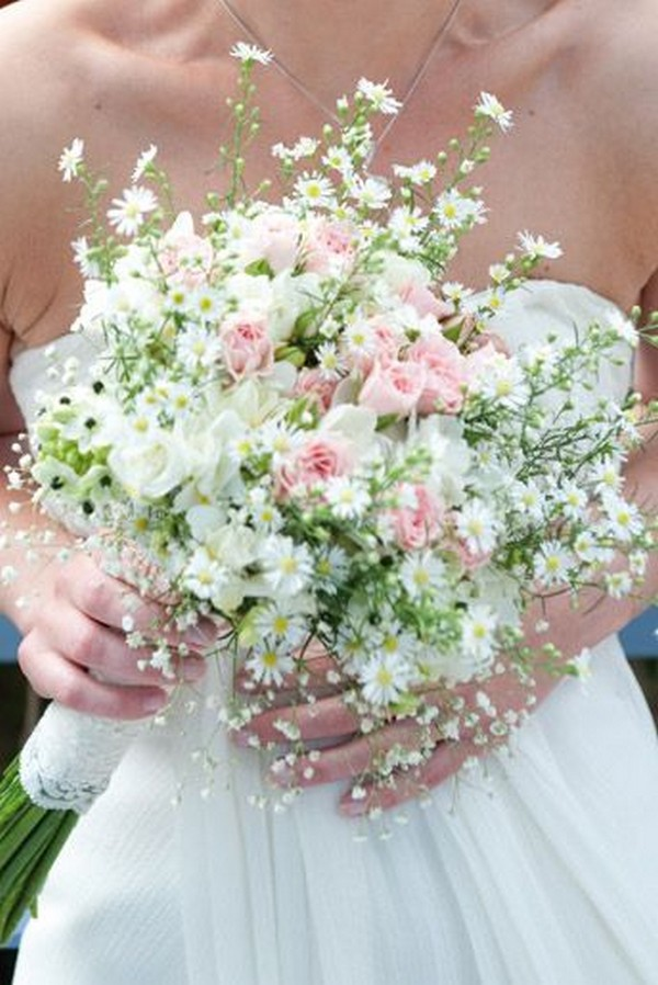 pink roses and daisies wedding bouquet for spring 2019