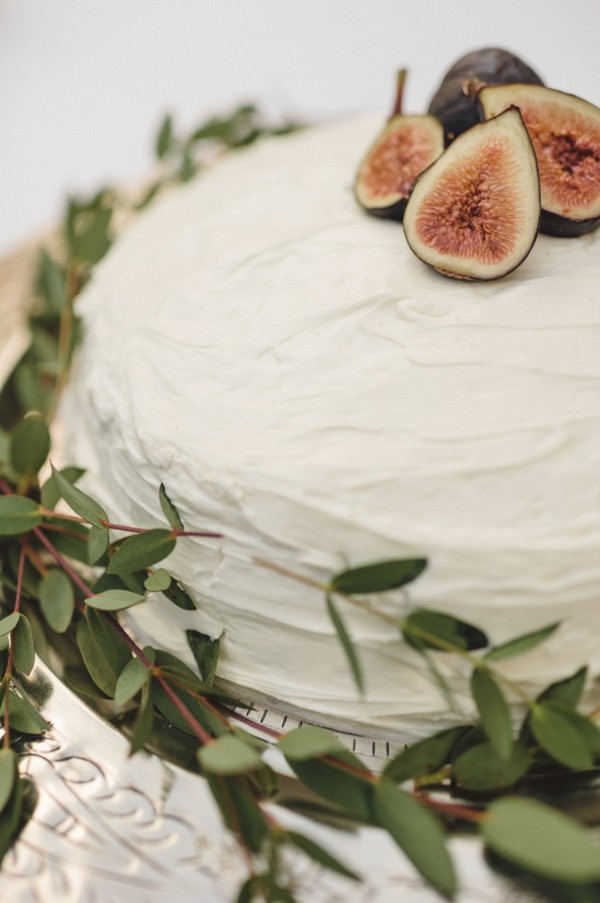 simple elegant wedding cake with figs