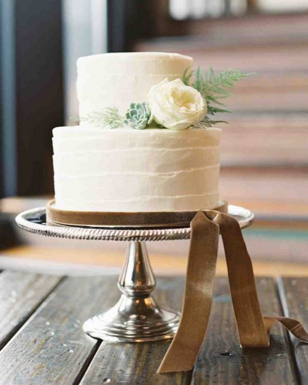winter wedding cake with ribbon