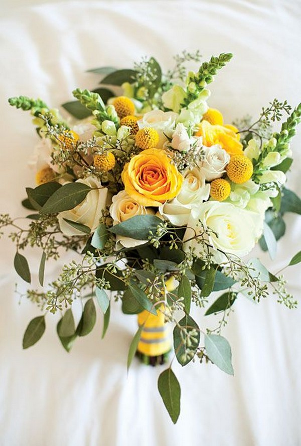 yellow and greenery wedding bouquet ideas