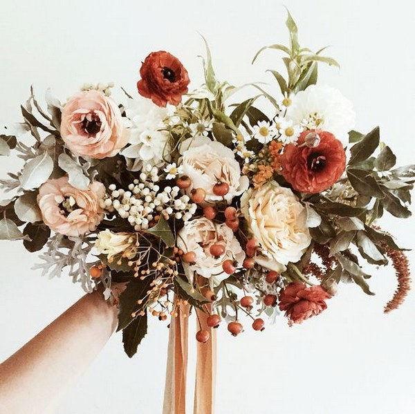 fall wedding bouquet ideas with sunset orange color