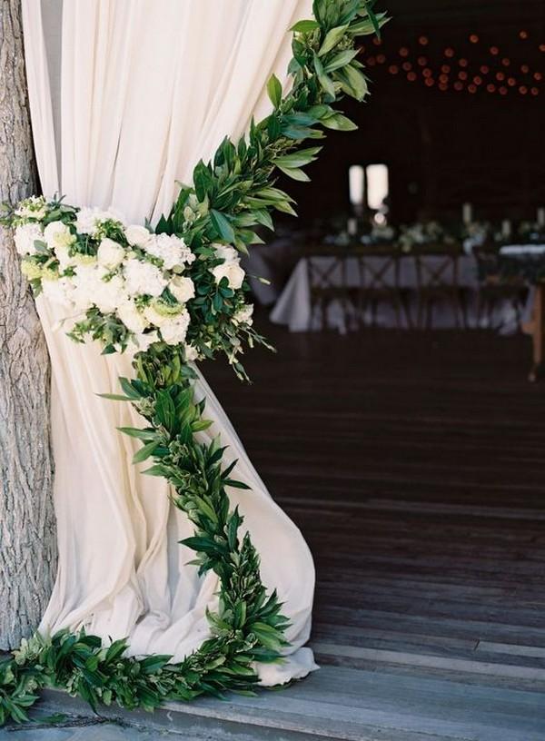garland adorned curtains wedding decoration ideas