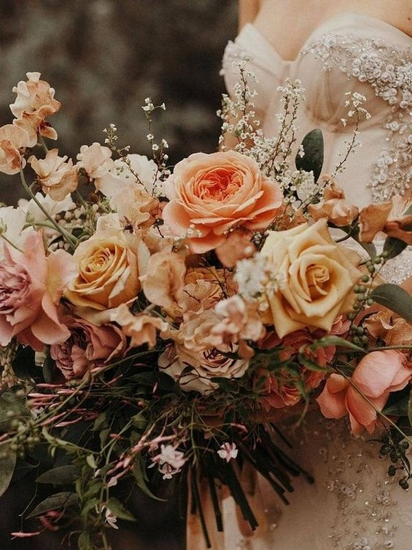 sunset orange wedding bouquet ideas