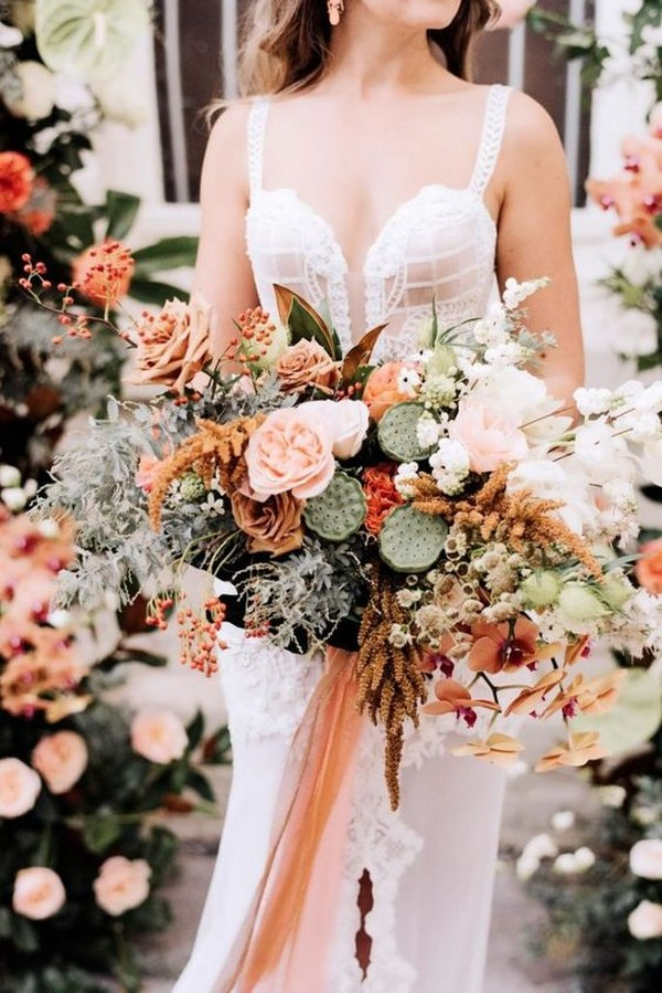 trending fall wedding bouquet ideas