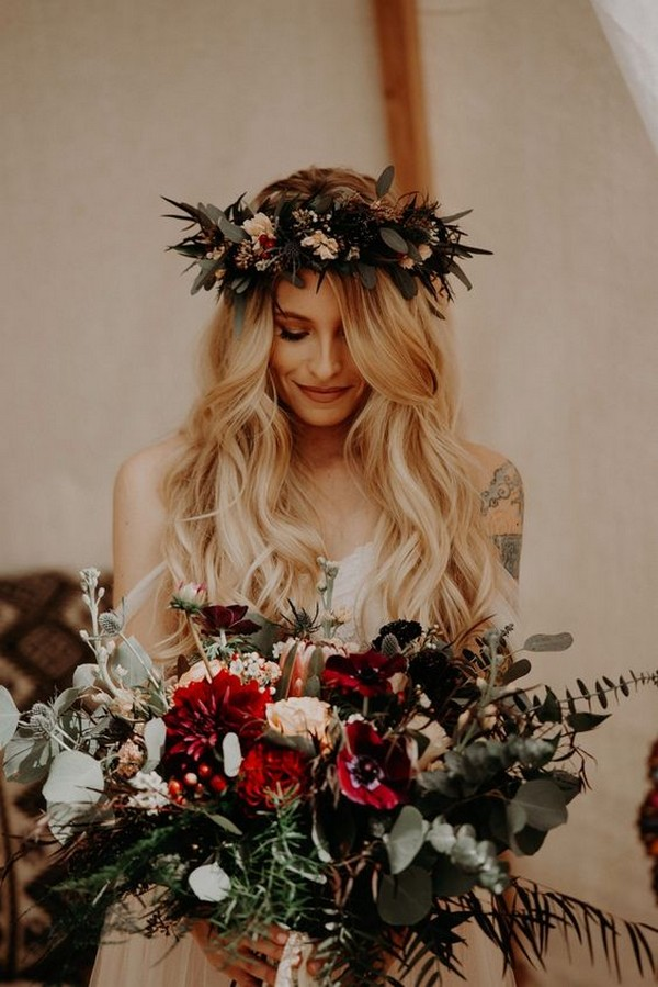 trending moody boho wedding bouquet ideas