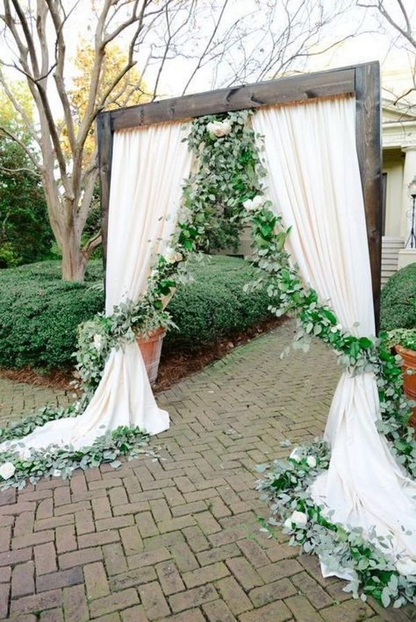 wedding entrance decoration ideas with garlands