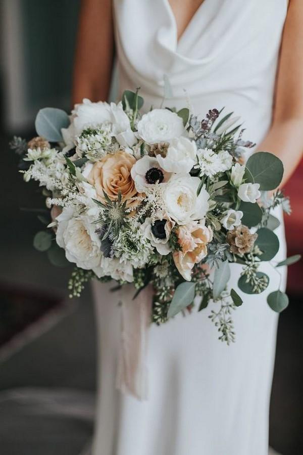 white peach and green wedding bouquet ideas