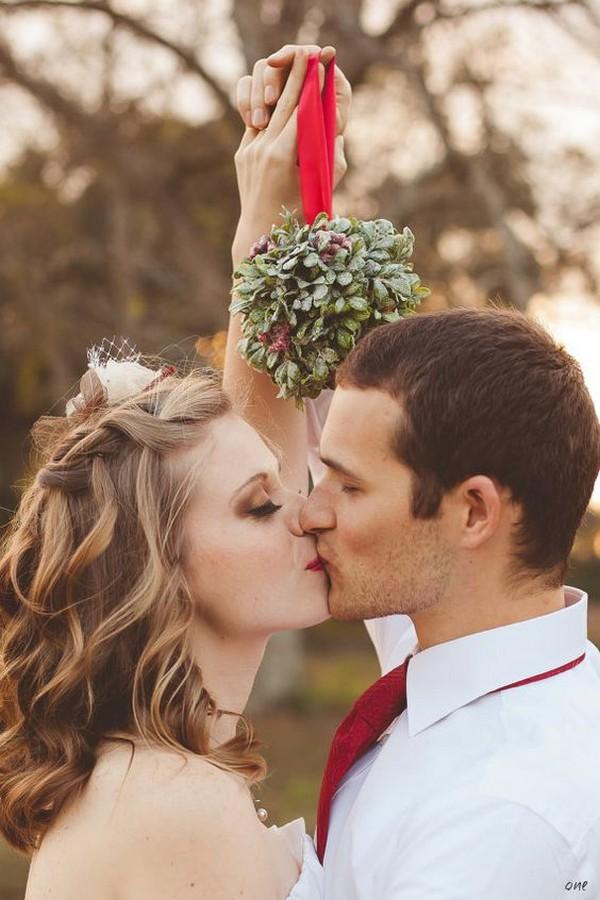 Christmas themed wedding photo ideas