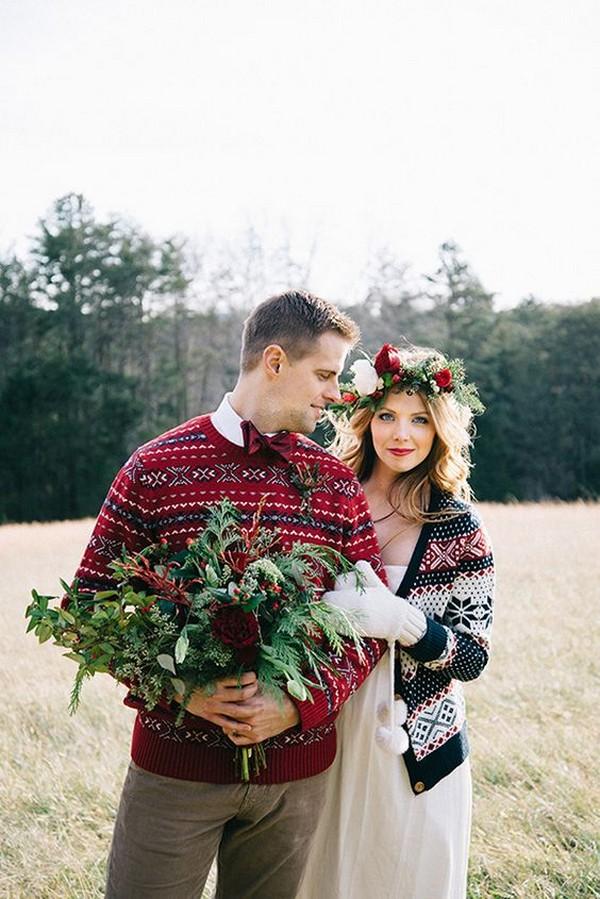 Christmas themed winter wedding photo ideas