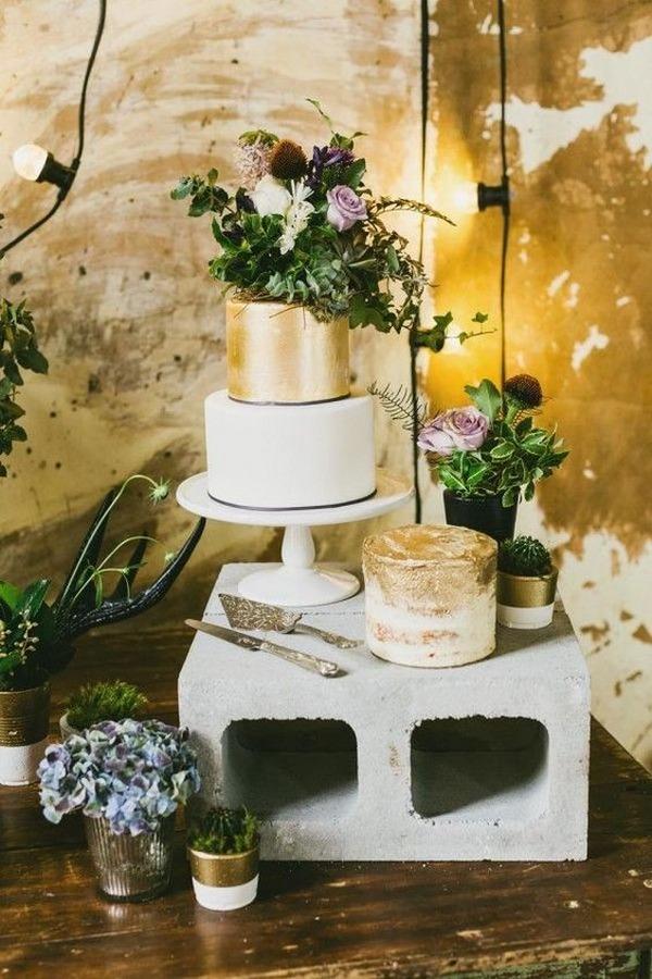 metallic gold wedding cake ideas