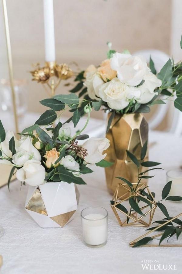 modern greenery and gold wedding centerpiece ideas