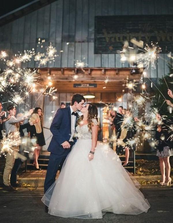 romantic wedding photo ideas with sparkler send off