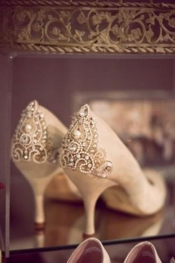 vintage low heel wedding shoes