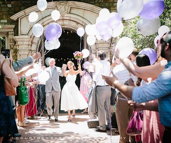 wedding send off ideas with balloons