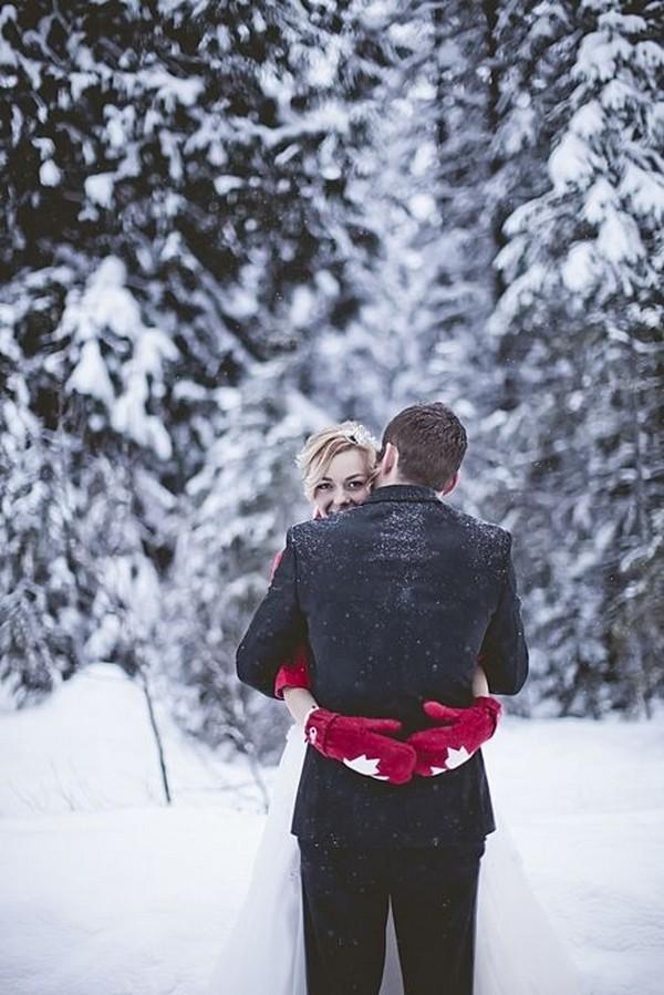 winter wedding photo ideas 3